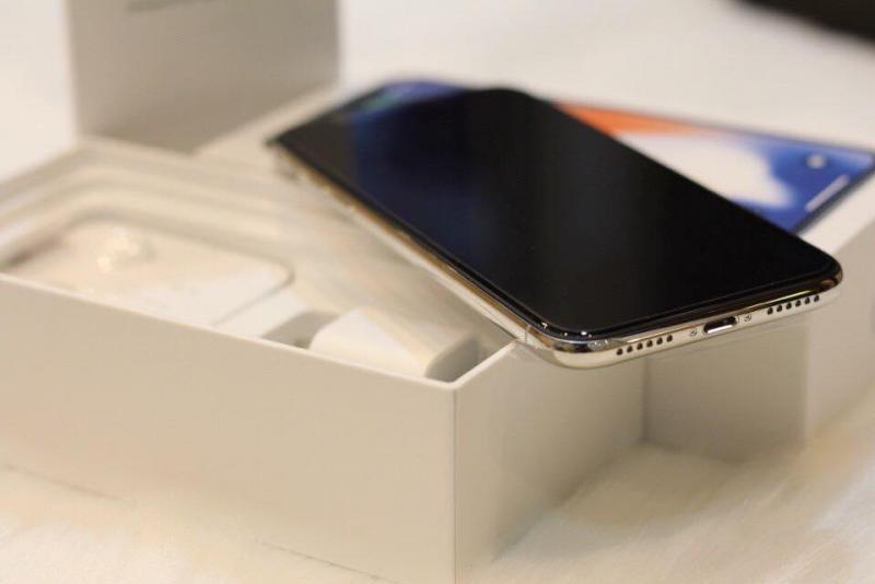 Cần bán iPhone X Silver 64gb