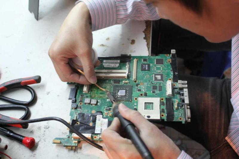 Nhận đào tạo sửa chữa máy vi tính , lap top