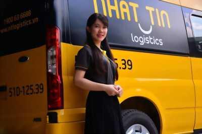 Nhân viên chuyển phát tại Nha Trang