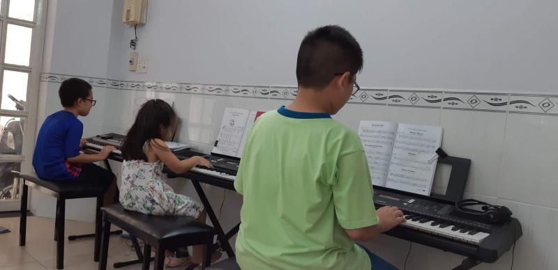 Lớp nhạc Gò Vấp Organ, Piano,Violon
