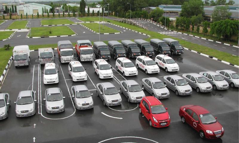 Thủ tục đăng ký học bằng lái xe tải với học phí ưu đãi