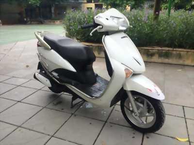 Honda Lead màu trắng 2010 mới 60% huyện lộc hà