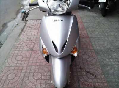 Honda Lead màu bạc.còn rất mới.có ảnh thật