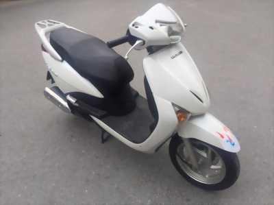 Honda Lead 110 Fi màu trắng đăng kí 2009