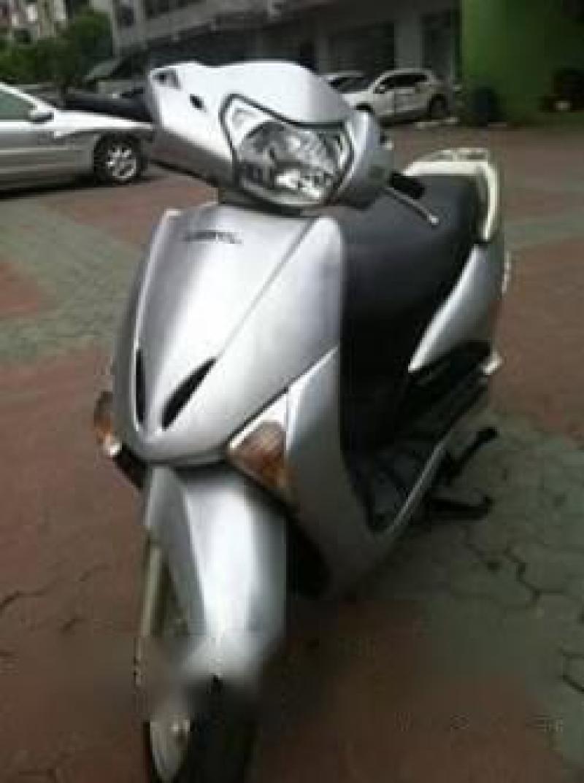 Chính chủ thanh lỳ xe Lead 110 Fi 110cc màu bạc