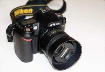 CẦN BÁN máy ảnh nikon D90