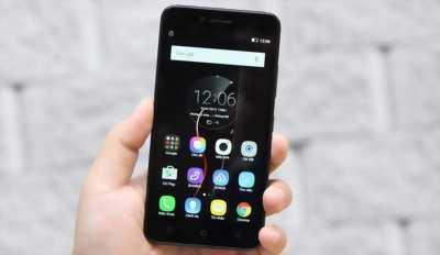 Điện thoại Lenovo P70 16 GB đen tại Hà Nội