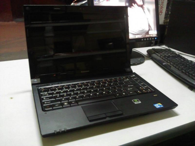 Bán lenovo B460, i5, ram 4G, card màn hình rời 1G