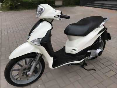 Cần bán Liberty 125 màu trắng nhập Ý chính chủ 2011