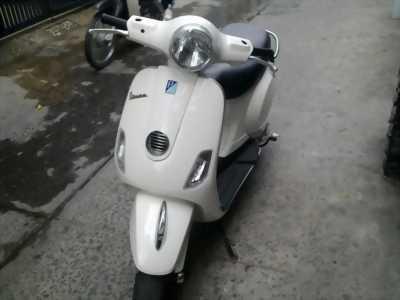Xe Vespa cực đẹp dành cho hotgirl