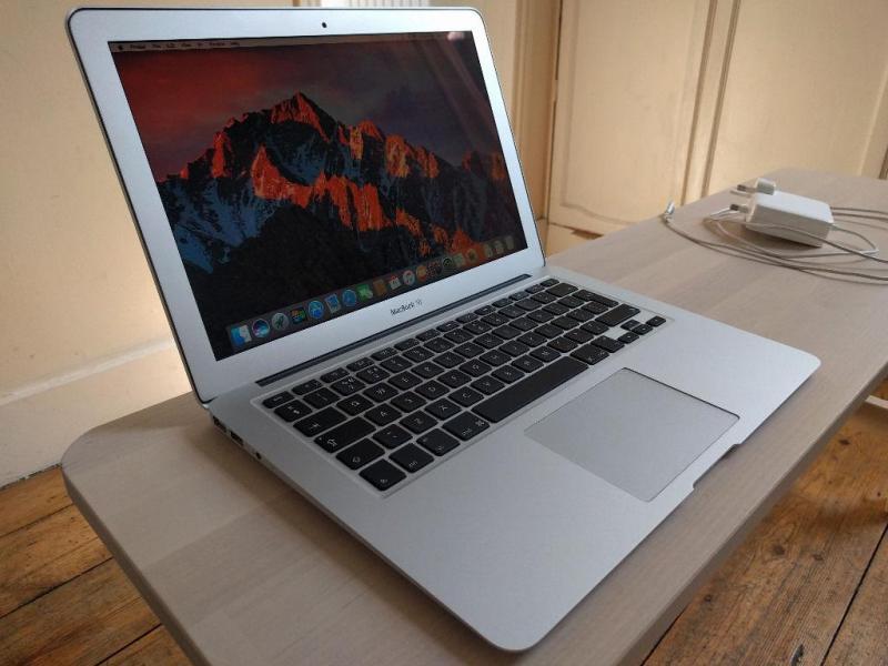 Macbook air 2011 tại Nghệ An,  13inch 4gb ssd 128gb
