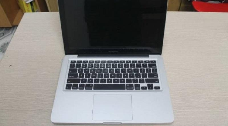 Macbook Pro 2011 _Core i5 2.3GHz _4GB_320GB
