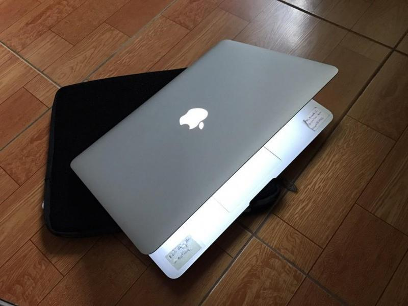 Cần bán MacBook Air Core i5 128GB mới 99%