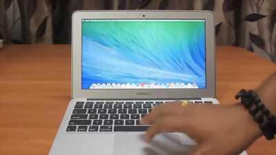 Apple Macbook air 11in 2014