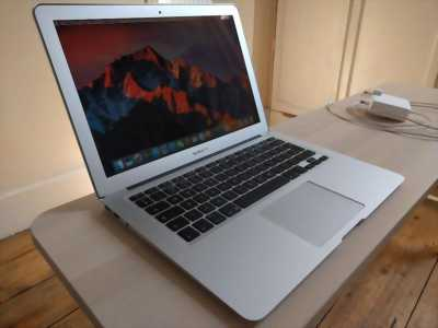 Macbook air 2011 và dell xps 13