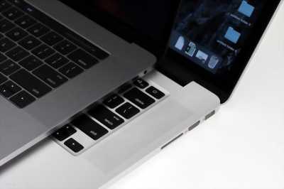 Macbook Pro MC700 Core i5 tại Hoàng Mai, Hà Nội.