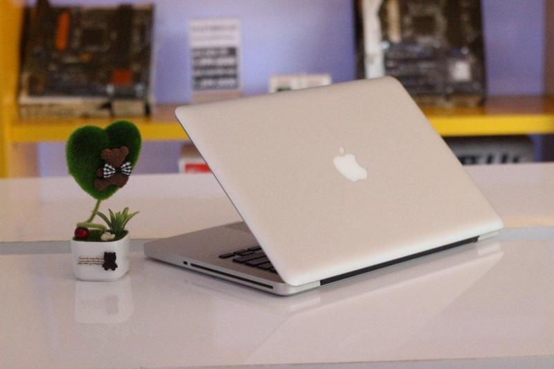 Apple Macbook Pro tại Hoàng Mai, Hà Nội.