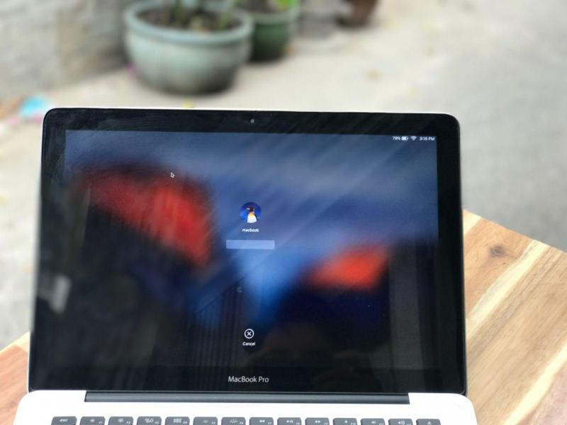 Macbook Pro 13,3in MD101, i5 4G SSD128 Đèn phím Đẹp