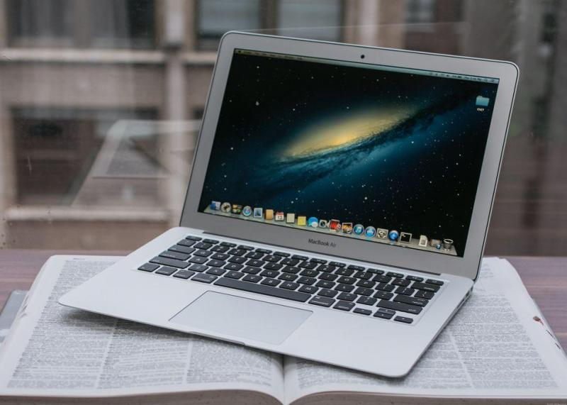 MACBOOK AIR 2013 - MỚI 99% - CORE I5 - 13 INH