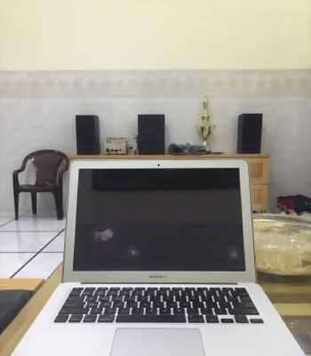Macbook Air 13 giữa 2012