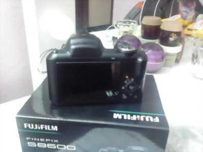Máy ảnh Fuji s8600