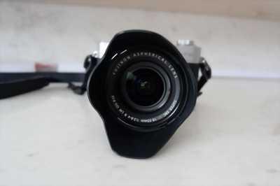 Cần bán Mirrorless FUJIFILM X-T10 + Fujinon XF18