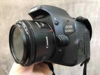 Cần bán máy ảnh Canon 600D chính hãng LBM