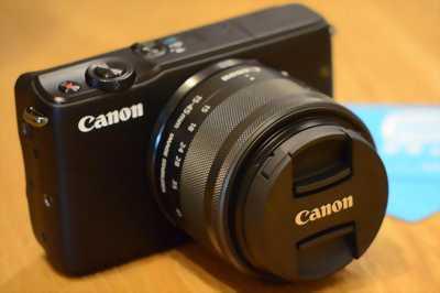 Canon M10 đen đẹp
