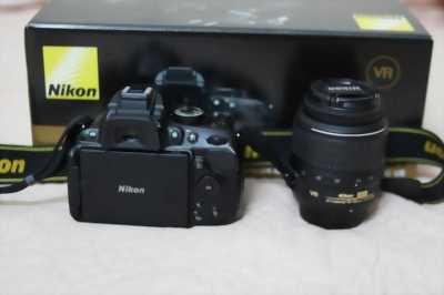 Bán nguyên hộp Body Nikon D5200, phụ kiện còn rất mới