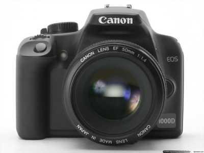 Canon d1000