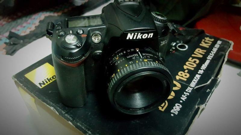 Bộ máy Nikon D90 kèm luôn lens