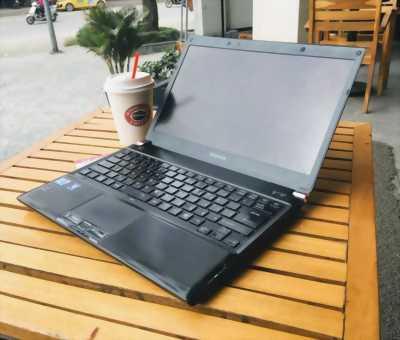 Máy laptop toshiba i3 ram 4g hdd 500gb