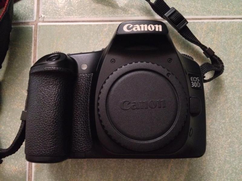 Cần bán canon 5d2 hoạt động ngon lành giá tốt