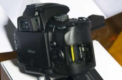 Máy ảnh Nikon d5000