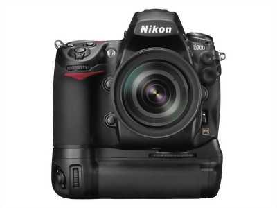 Body Nikon D700+Grip