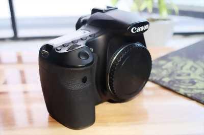 Cần bán: body Canon 60D mới 98%