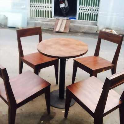 Cần thanh lý 20 bộ bàn ghế gổ cafe giá rẻ