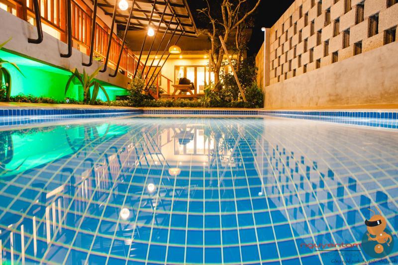 Thiết kế, thi công lắp đạt bể bơi Phú Quốc