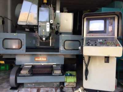 Bán máy phay CNC MAKINO FNC 74-A20