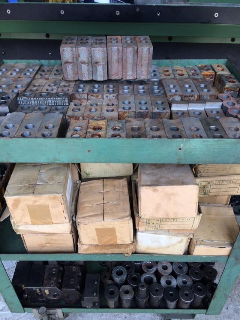Dụng cụ, thiết bị phụ trợ máy CNC