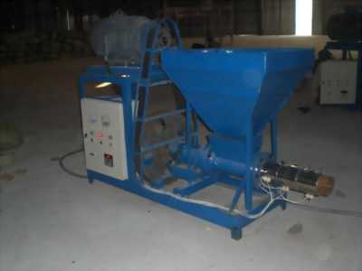 Máy chẻ củi mô tơ điện kết hợp máy nén thủy lực.