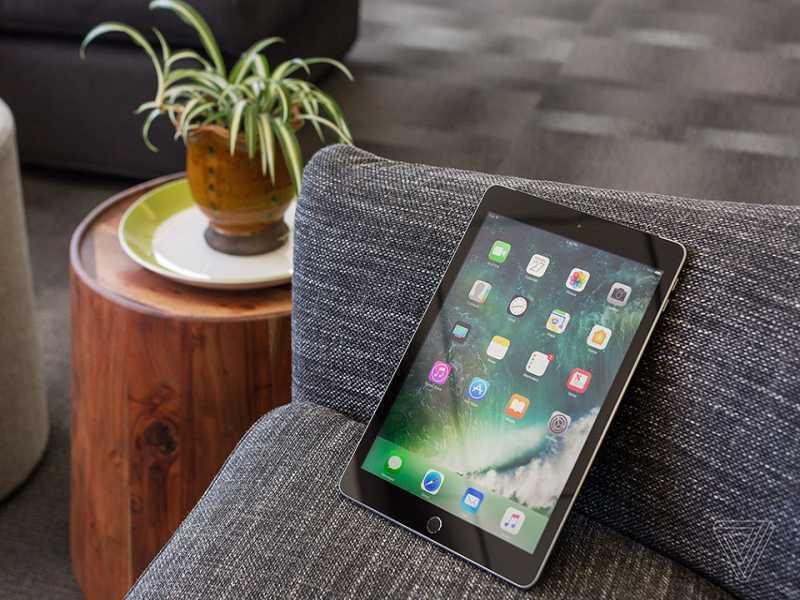 Apple công bố chiếc Ipad 2017 mới 9.7 inch giá từ 329$