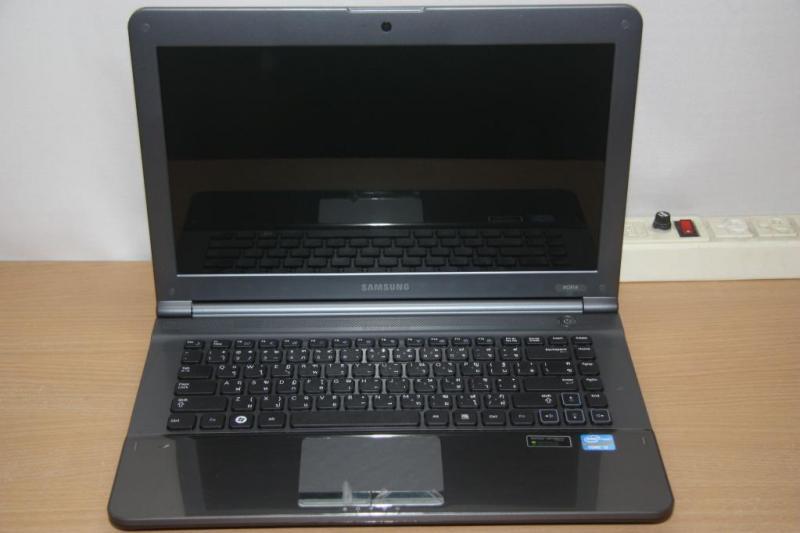 SAMSUNG RC418,CORE I3-TH2,RAM 4GB, HDD 500GB.