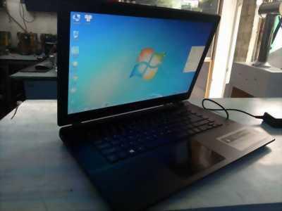 Cần bán nhanh laptop acer ES1-511 giá bèo