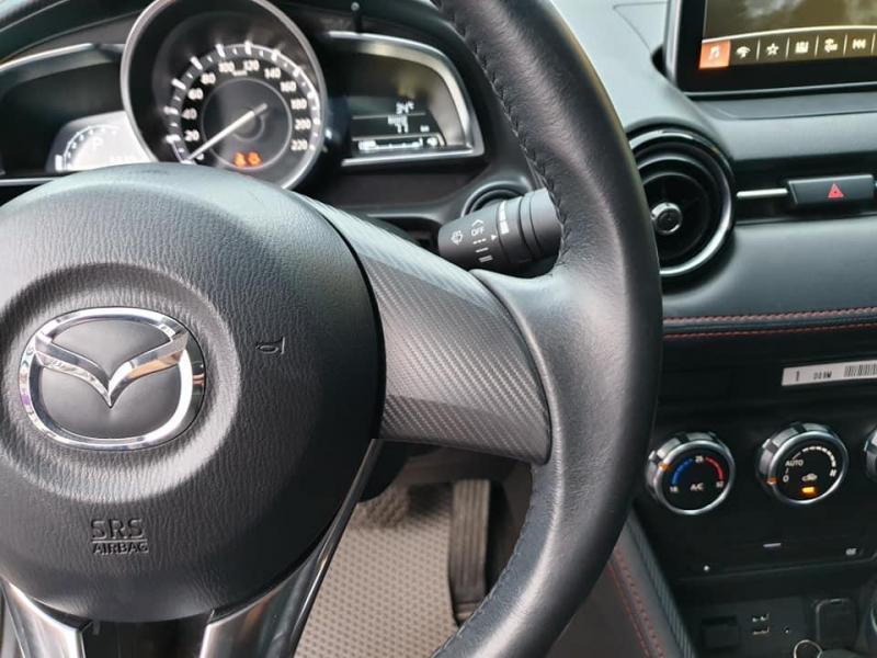 Gia đình cần bán Mazda2 sx 2017, số tự động, màu trắng