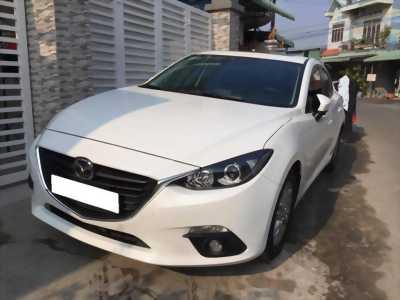 Cần bán xe Mazda 3 model 2016 số tự động màu trắng,
