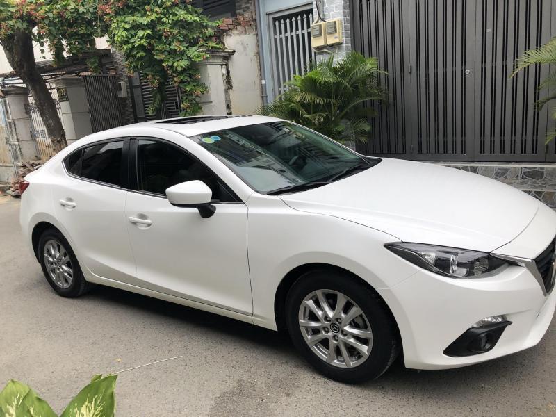 Mình Bán Mazda 3 tự động 2017 màu trắng bản full rất ít đi.