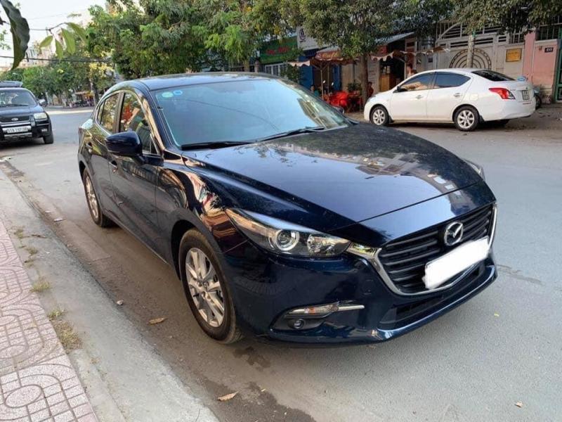 Cần bán xe Mazda3, sản xuất 2018, số tự động, màu xám xanh,