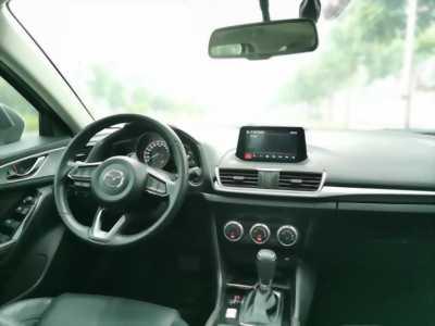 Bán em Mazda3 Facelit Hatchback 2017