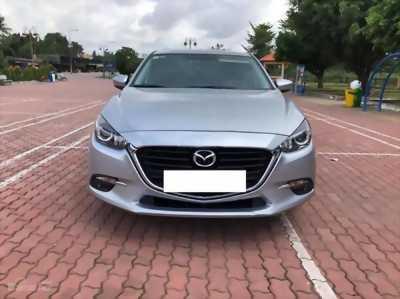 Gia đình cần bán Mazda3, facelit, sản xuất 2018, số tự động